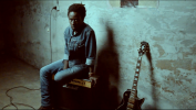 Clip de Jean-Sébastien, ancien élève de Waha qui s'est lancé dans la musique avec succès.