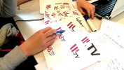 Cet extrait propose les grandes étapes méthodologiques de l'atelier WebTV. Durant les 5 journées de cet atelier les élèves ont réalisé des activités pédagogiques qui leur ont donné les outils nécessaires pour, au final, concevoir et réaliser eux-mêmes cette WebTV.