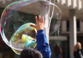 De l'eau, du savon, l'enfance